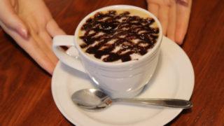 チョコレートソースとコーヒー